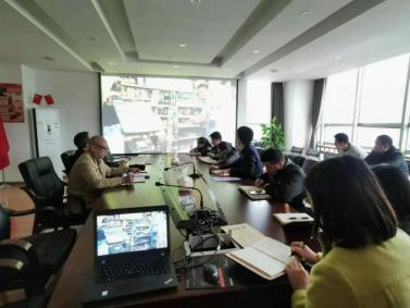 市担保公司组织观看反腐倡廉教育片《不忘初心》